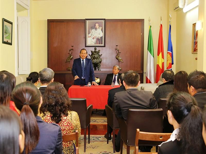 Phó Thủ tướng Trương Hòa Bình gặp cộng đồng người Việt tại Ý - ảnh 1