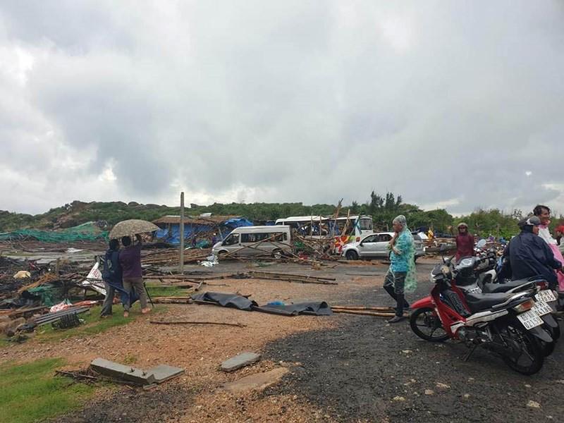 Mưa gây sạt lở kinh hoàng ở Nha Trang làm 13 người chết - ảnh 1