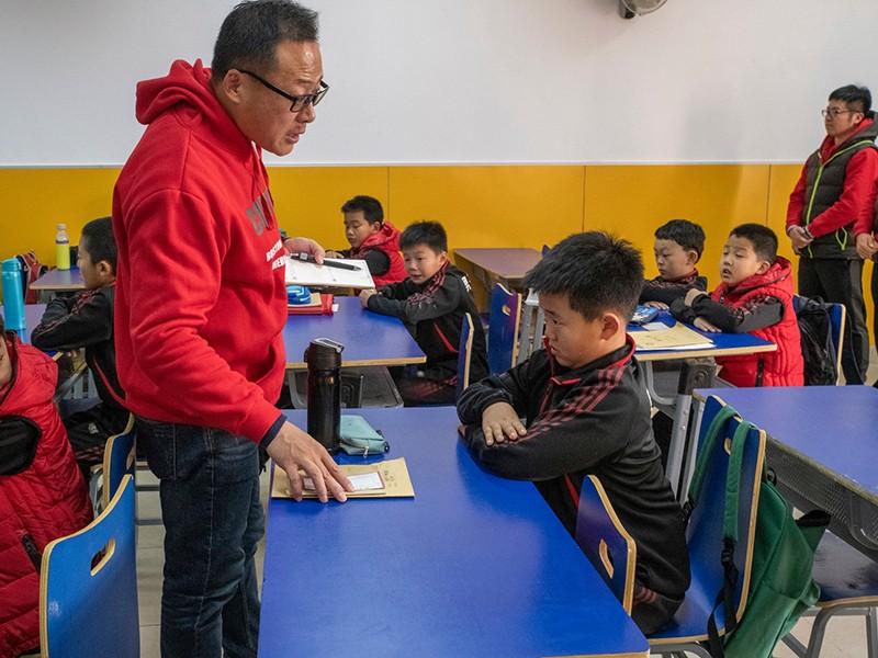 Trường đào tạo 'đàn ông đích thực' ở Trung Quốc - ảnh 1
