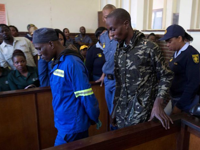 Thầy lang ăn thịt người ở Nam Phi lãnh án tù chung thân - ảnh 1