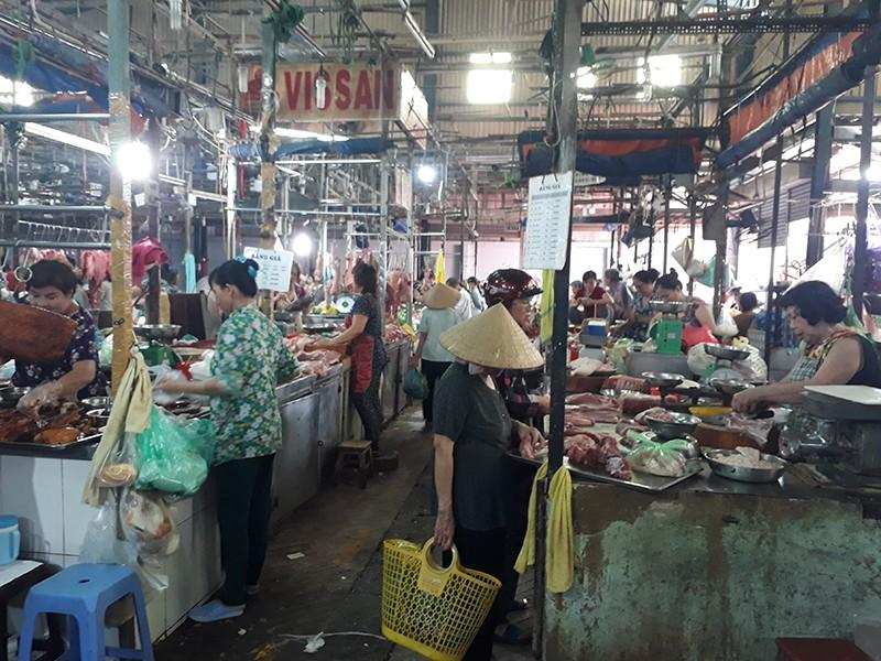 Vì sao tiểu thương các chợ không niêm yết giá? - ảnh 1