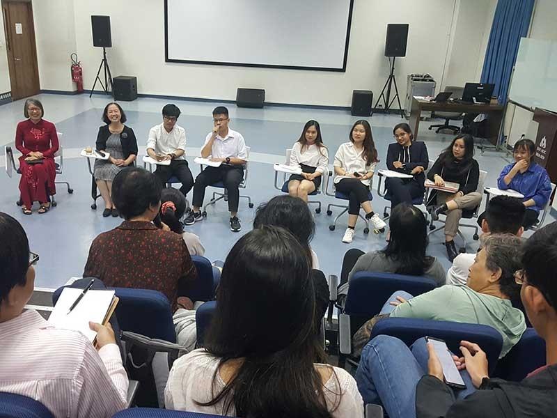 Sinh viên nói về tình, tiền và bình đẳng giới - ảnh 1