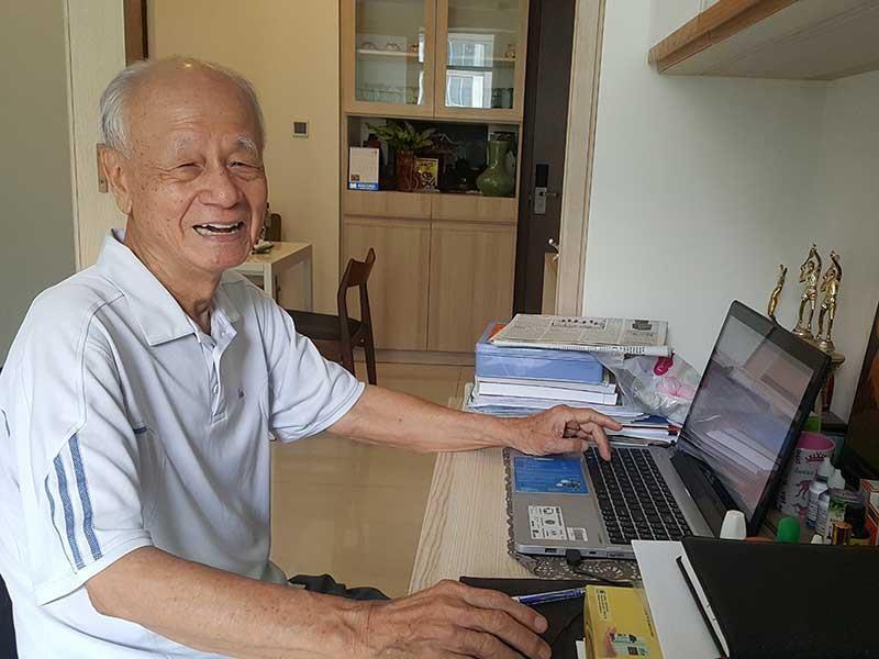 Cụ ông 87 tuổi bị ung thư viết sách siêu tốc - ảnh 1