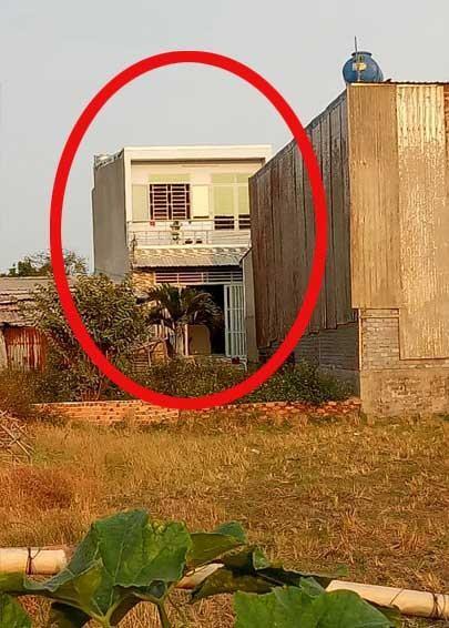 Nhà xây lụi ở Bình Chánh: Đang kiểm tra, vẫn không ngán - ảnh 2