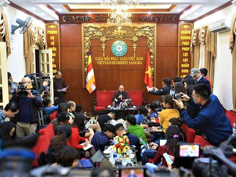 Đề nghị tạm đình chỉ các chức vụ của trụ trì chùa Ba Vàng - ảnh 1