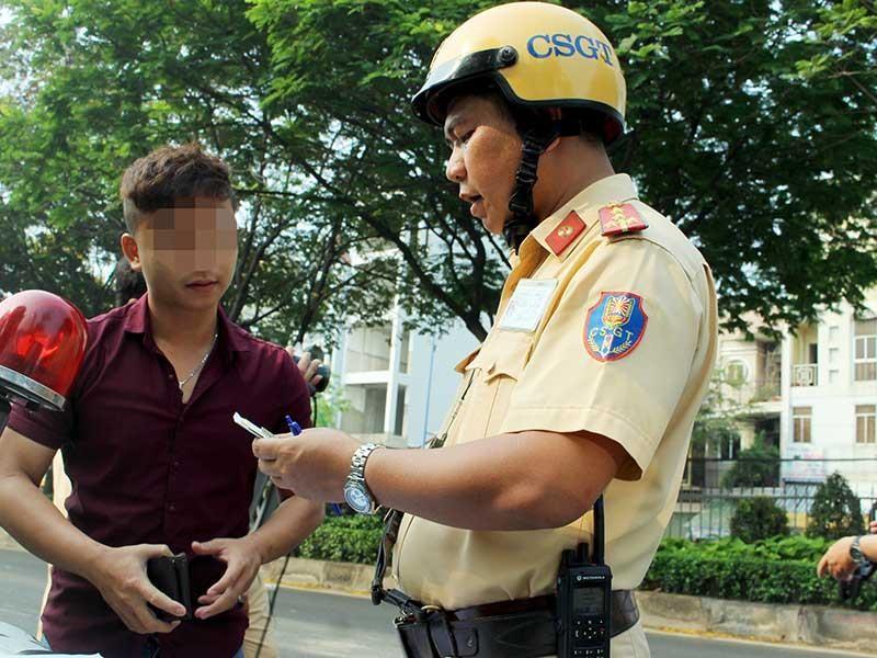 Phạt không thắt dây an toàn: CSGT giải thích - ảnh 1