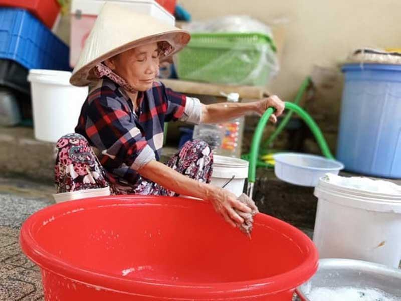 Dì Hai Sài Gòn: Tiếc 3 hào xe lam, bỏ bộn tiền giúp người dưng - ảnh 1