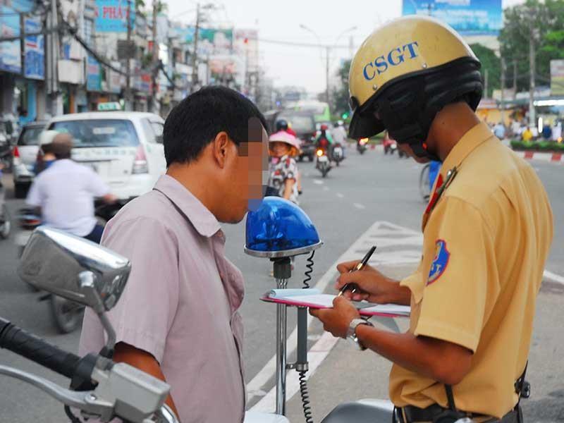 Vi phạm giao thông: Phạt lao động công ích để răn đe - ảnh 3