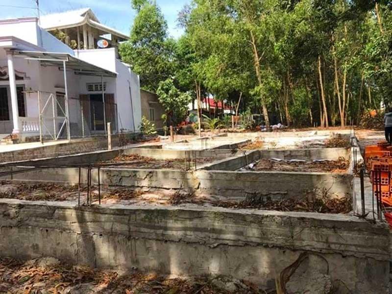 Lại bế tắc vụ xây nhà trên đất hàng xóm - ảnh 2