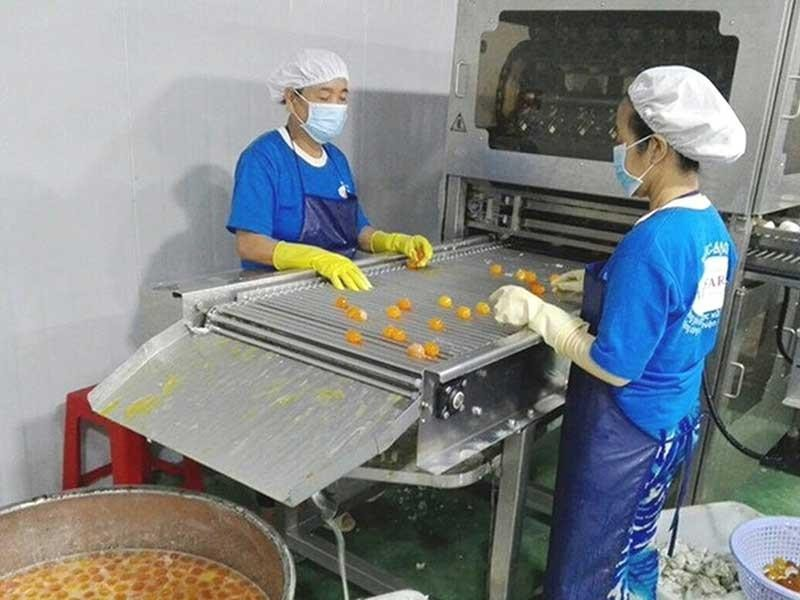 Sếp công ty bán lòng đỏ trứng vịt: 'Tôi thích mới lạ' - ảnh 2