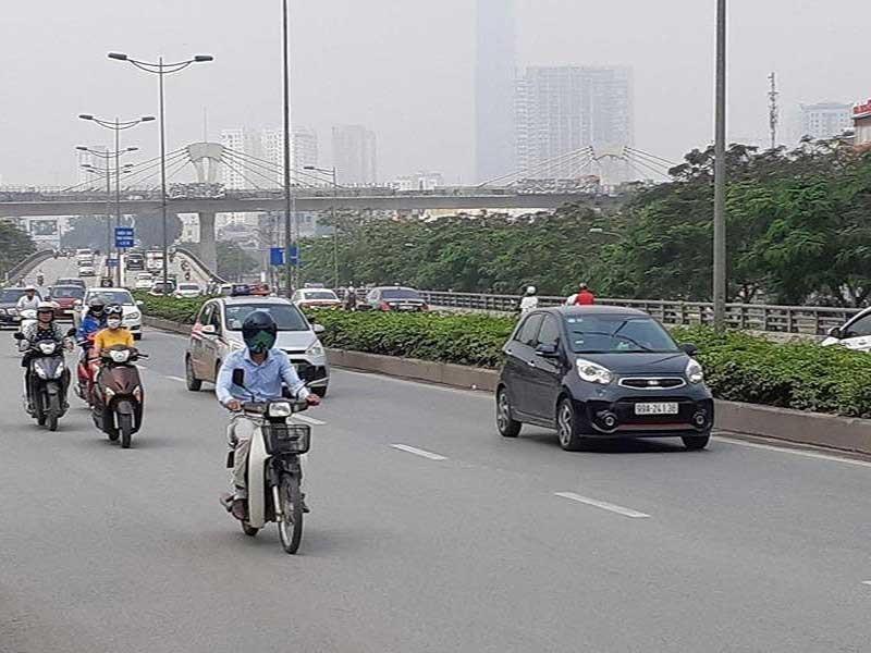 Bộ GTVT: Taxi công nghệ phải gắn hộp đèn! - ảnh 1