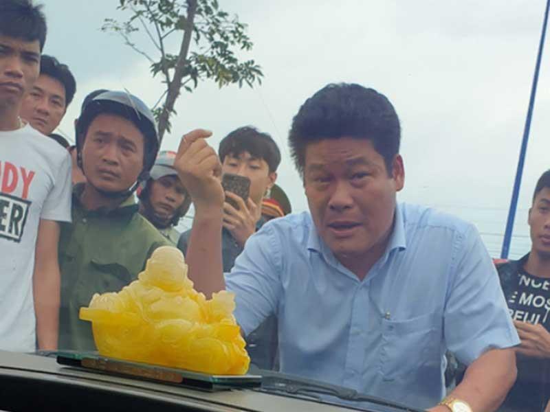 Khám nhà người gọi giang hồ vây xe chở công an Đồng Nai - ảnh 2