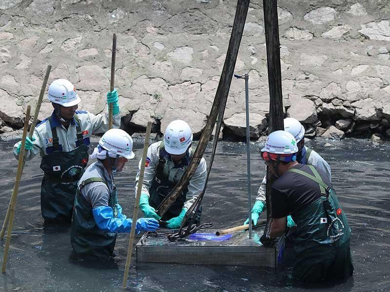 Hà Nội tập trung cứu sông Tô Lịch - ảnh 1