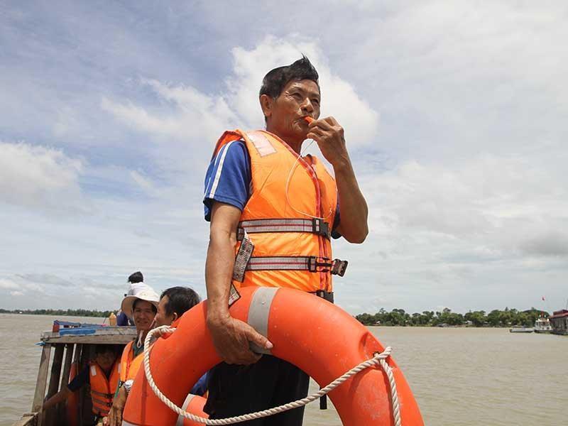Những lão nông cứu người giữa sóng nước Vàm Nao - ảnh 1