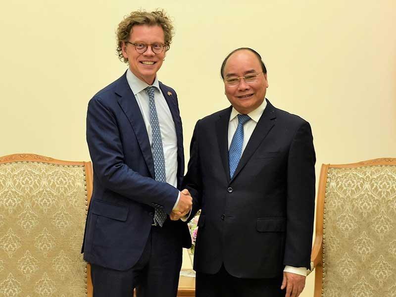 Thủ tướng Nguyễn Xuân Phúc tiếp đại sứ Thụy Điển - ảnh 1