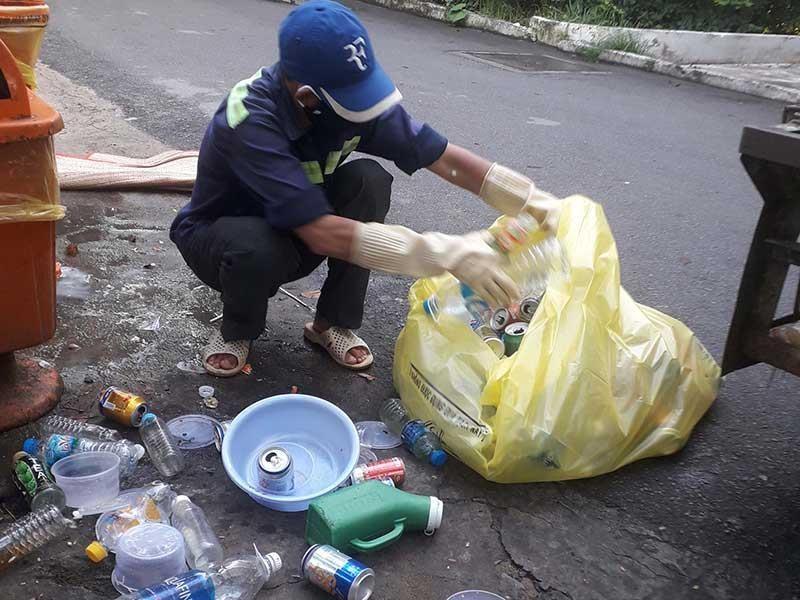 Kinh hoàng tuồn rác thải lây nhiễm trong bệnh viện ra ngoài  - ảnh 1