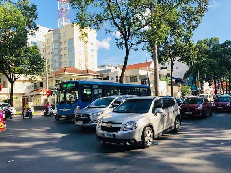 Sở GTVT TP.HCM nói gì về mở làn ưu tiên xe buýt? - ảnh 1