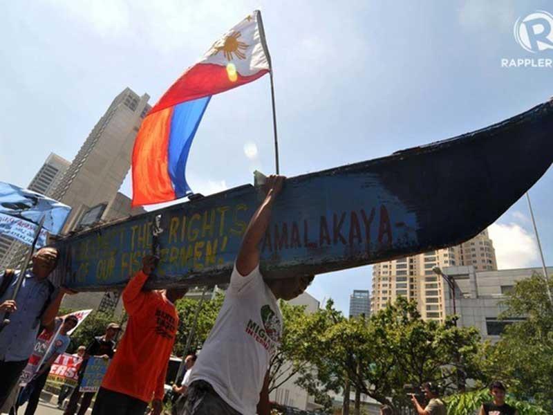 Ba rủi ro của Philippines nếu bắt tay Trung Quốc ở biển Đông - ảnh 1