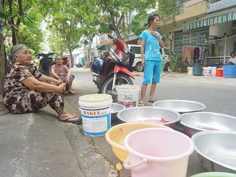 Thủy điện xả nước, Đà Nẵng vẫn 'khát' - ảnh 1