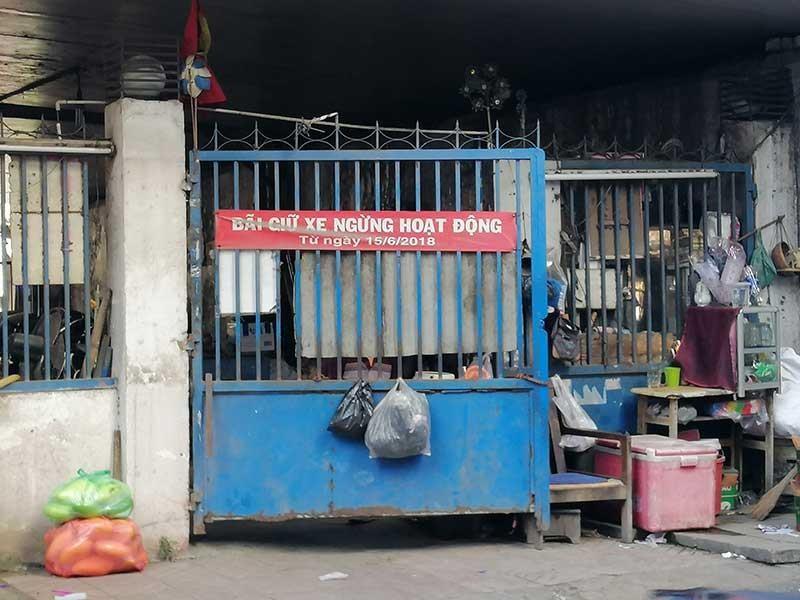 TP.HCM: Ngưng khai thác bãi giữ xe, buôn bán ở các dạ cầu - ảnh 1