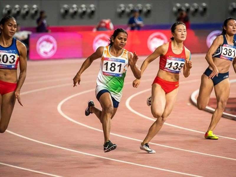 Lê Tú Chinh vừa chạy vừa 'ngóng' đối thủ ở SEA Games 30 - ảnh 1