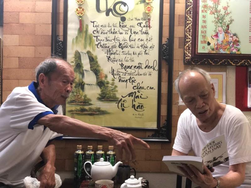 Anh hùng Nguyễn Văn Bảy lội đồng hái sen ở tuổi 83 - ảnh 2