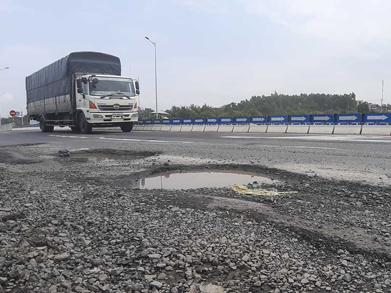 Yêu cầu khắc phục hư hỏng cao tốc Đà Nẵng - Quảng Ngãi - ảnh 1