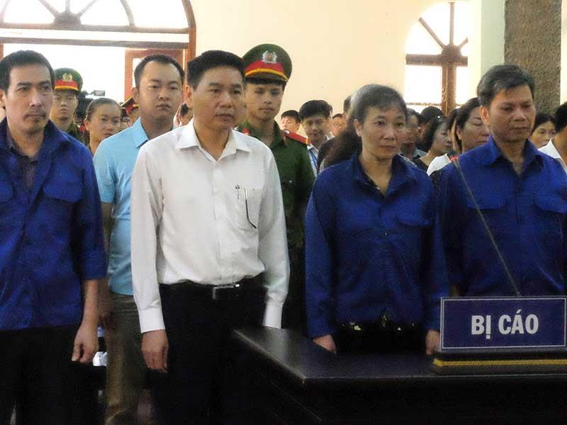 Mở lại phiên xử gian lận điểm thi ở Hà Giang, Sơn La - ảnh 1