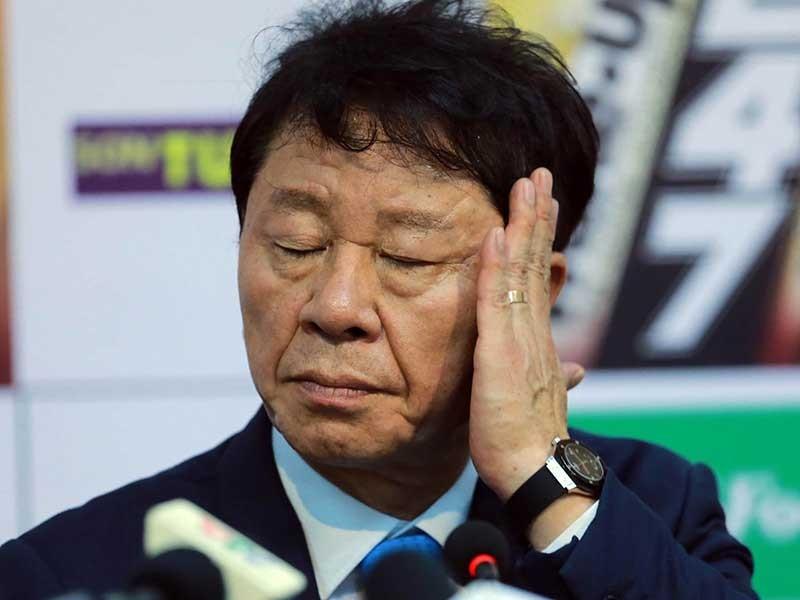 Thầy Hàn có lăn tăn với bóng đá tình cảm? - ảnh 1