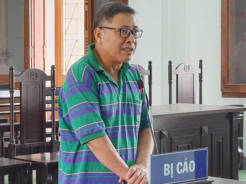 Cựu chủ tịch huyện phủ nhận chỉ đạo cấp dưới làm trái - ảnh 1