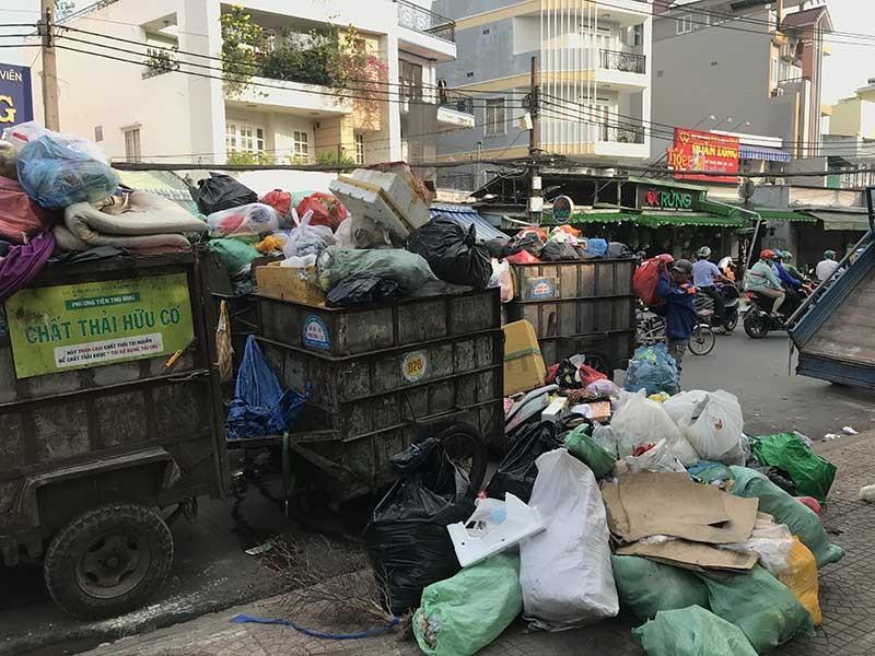 Lý do giá thu gom rác tăng gần gấp đôi - ảnh 1