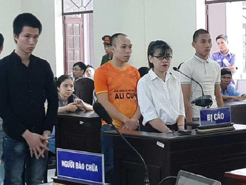 4 nhân viên đầu tiên của Alibaba lãnh án - ảnh 1