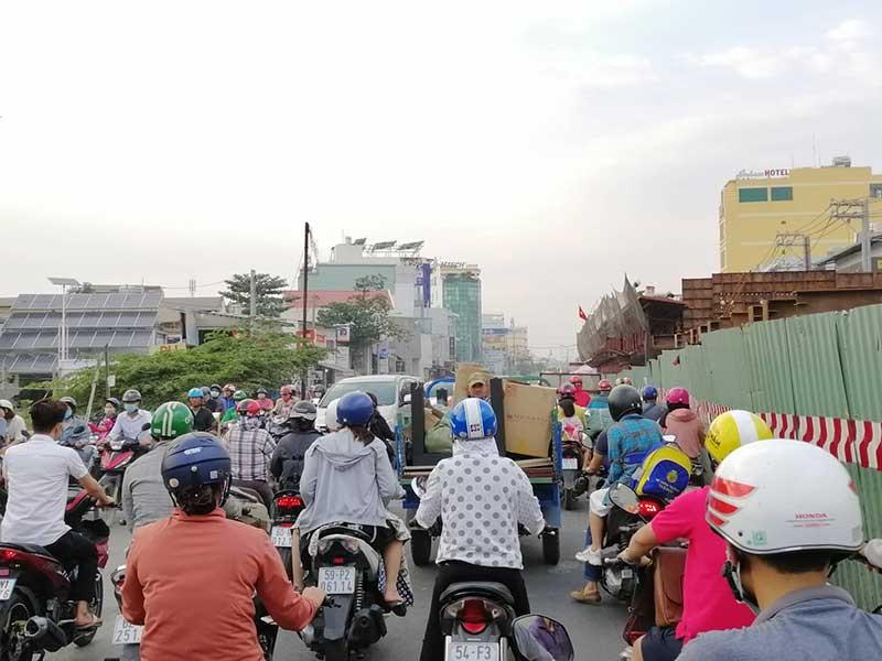 Dân Bình Tân 2 năm ngóng xong cầu Bưng - ảnh 1