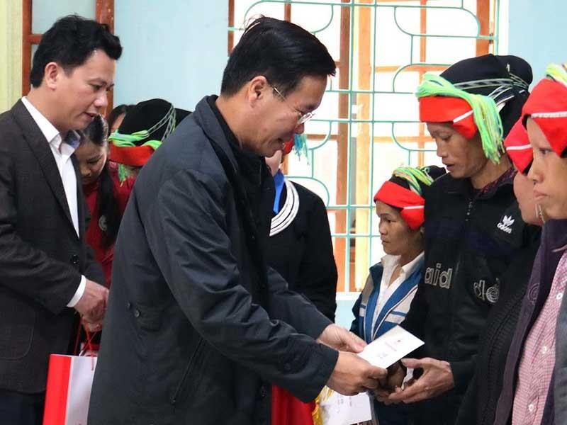 Ông Võ Văn Thưởng thăm, tặng quà tết cho hộ nghèo tại Hà Giang - ảnh 1
