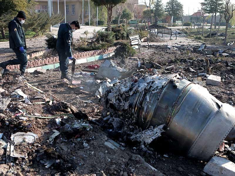 Bí ẩn vụ máy bay Ukraine chở 176 người rơi ở Iran - ảnh 1