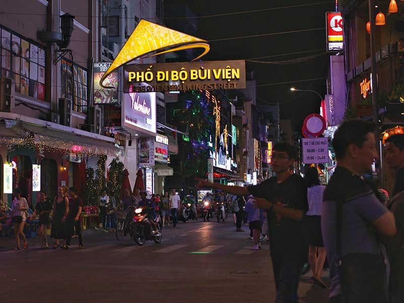 Sài Gòn về đêm có gì lạ? - ảnh 2
