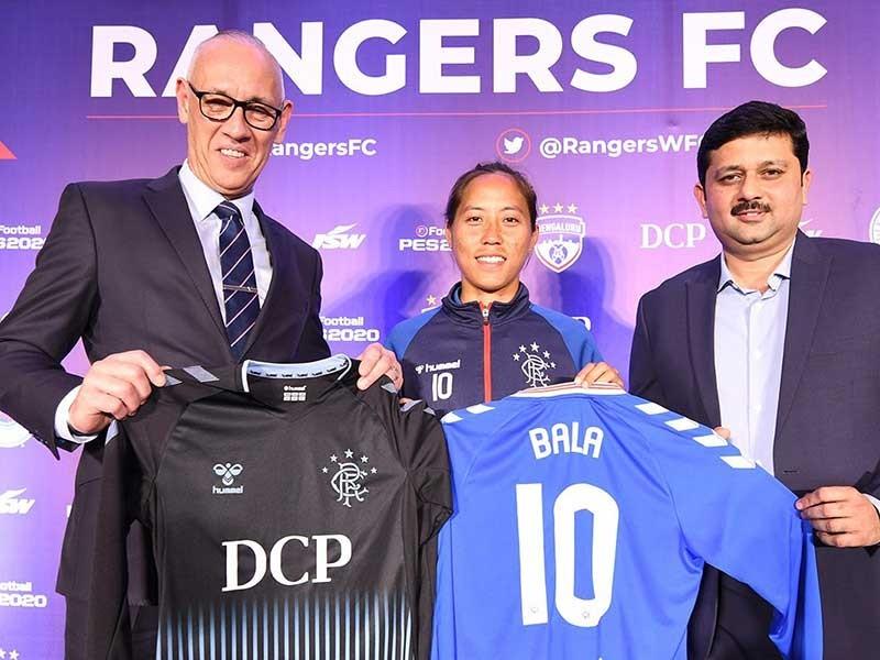Nữ tuyển thủ Ấn Độ sang châu Âu, còn nữ tuyển thủ VN? - ảnh 1
