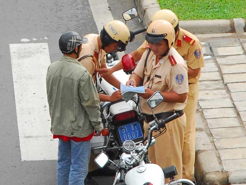 Cách nộp phạt vi phạm giao thông qua đường bưu điện - ảnh 1