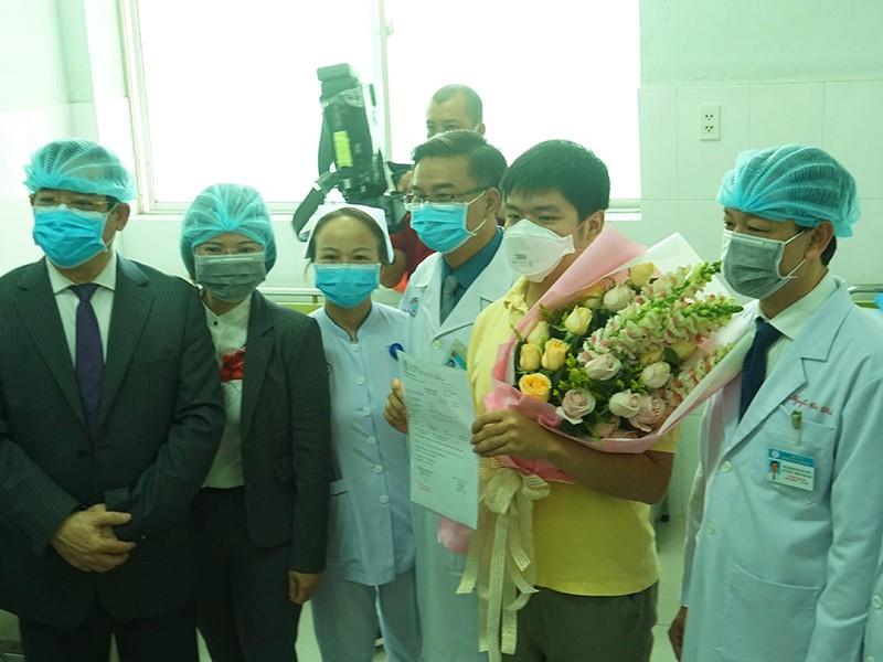 Bệnh nhân nhiễm nCoV xuất viện và chuyện giờ mới kể - ảnh 1
