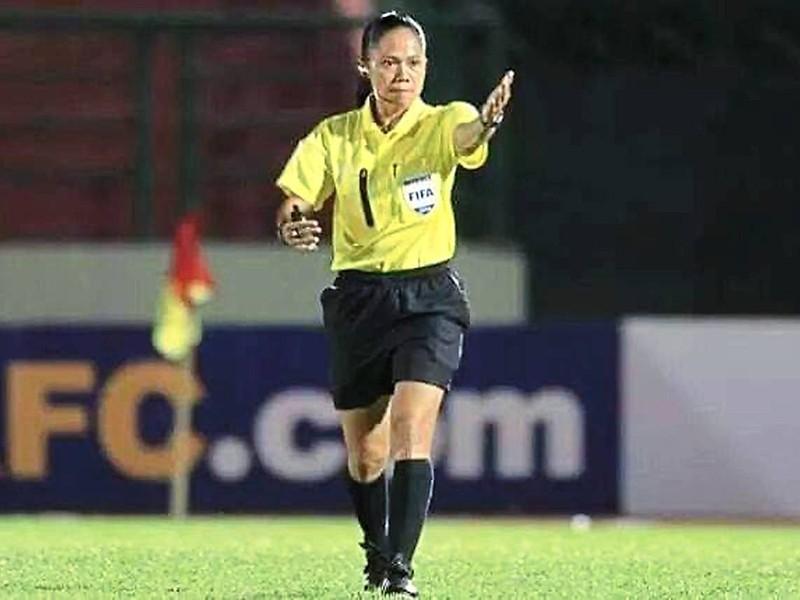 Malaysia đưa trọng tài nữ điều hành giải M-League - ảnh 1