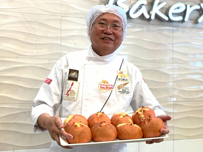 Cha đẻ bánh mì thanh long: Tôi sẽ làm bánh bơ, sầu riêng… - ảnh 1