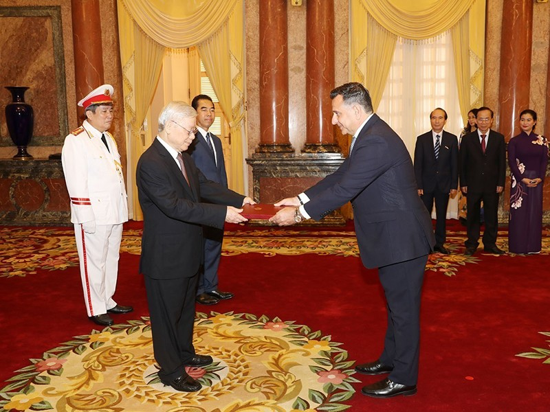 Tổng bí thư, Chủ tịch nước tiếp các đại sứ trình quốc thư - ảnh 1