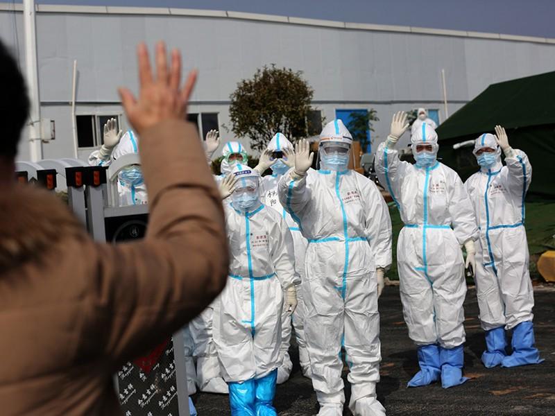 Dịch COVID-19: Lý do ca nhiễm Trung Quốc giảm, thế giới tăng - ảnh 1
