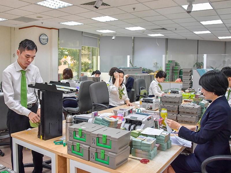 Dịch COVID-19: Ngân hàng cấp bách tiếp sức doanh nghiệp - ảnh 1
