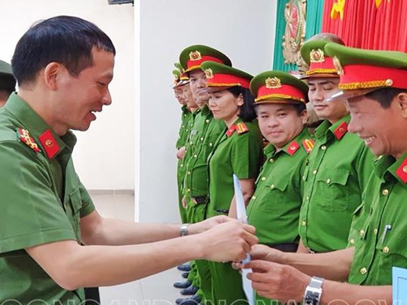 Hơn 300 cán bộ Công an Đồng Nai có nhiệm vụ mới - ảnh 1