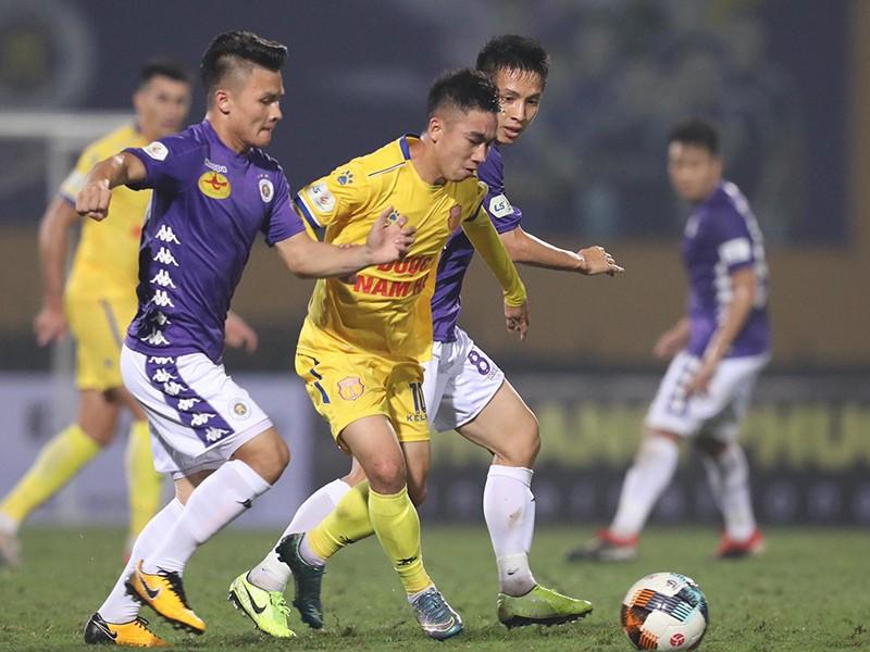 Thầy Park đi tìm trung vệ cho tuyển Việt Nam - ảnh 1