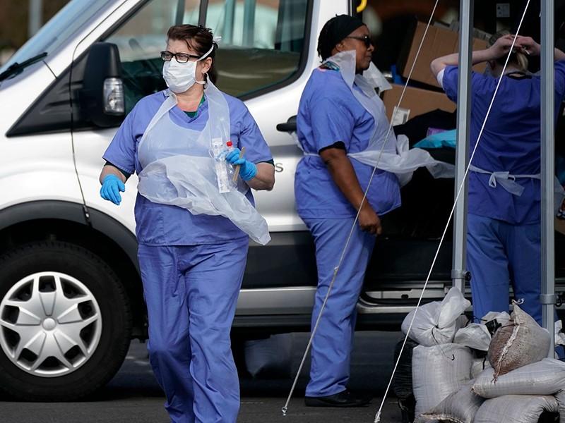 Thả nổi đỉnh dịch COVID-19: 12 triệu dân Anh có thể chết - ảnh 1