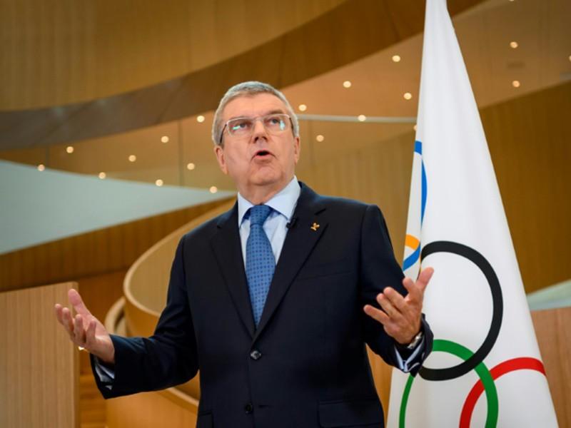 Đuốc Olympic đến Nhật và tranh cãi trong mùa dịch COVID-19 - ảnh 1