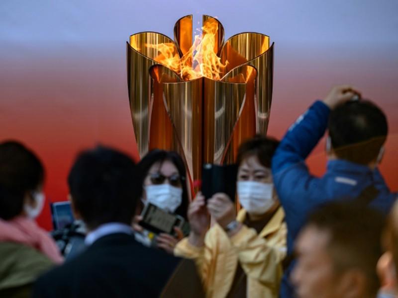 Ngọn đuốc Olympic vẫn chu du khắp nước Nhật - ảnh 1