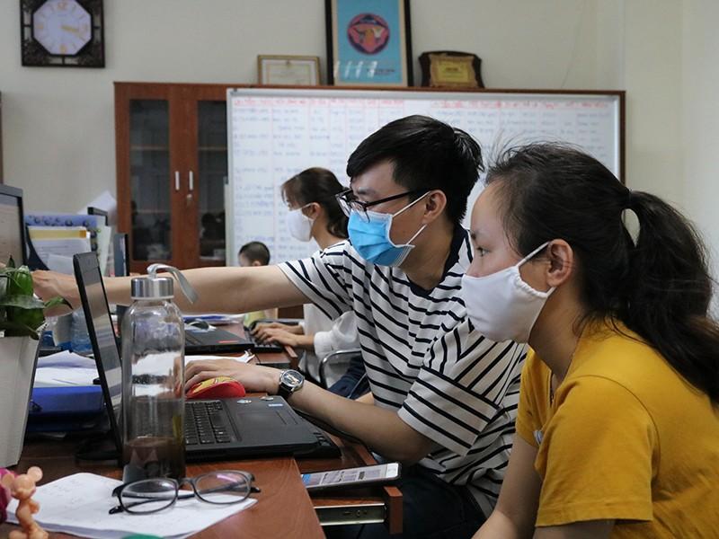 Sinh viên ngành y góp sức chống dịch COVID-19 - ảnh 1